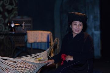 """""""Lời ru của mẹ"""" qua 5 ngôn ngữ của nghệ sĩ Minh Hiền"""