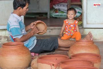 Làng gốm Chăm nổi tiếng ở Bình Đức