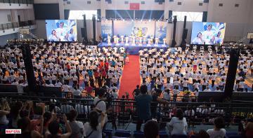 Đồng diễn đẹp mắt chào mừng ngày Quốc tế Yoga lần 5