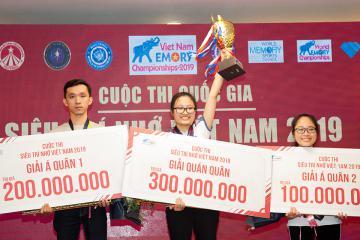 Đặng Ngọc Phương Trinh trở thành Quán quân mùa đầu tiên của cuộc thi  Siêu trí nhớ Việt Nam