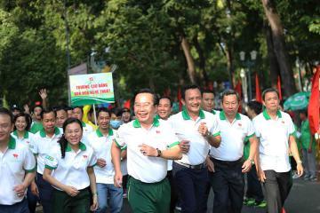 Hơn 5.000 hưởng ứng Ngày chạy Olympic vì sức khỏe toàn dân năm 2021